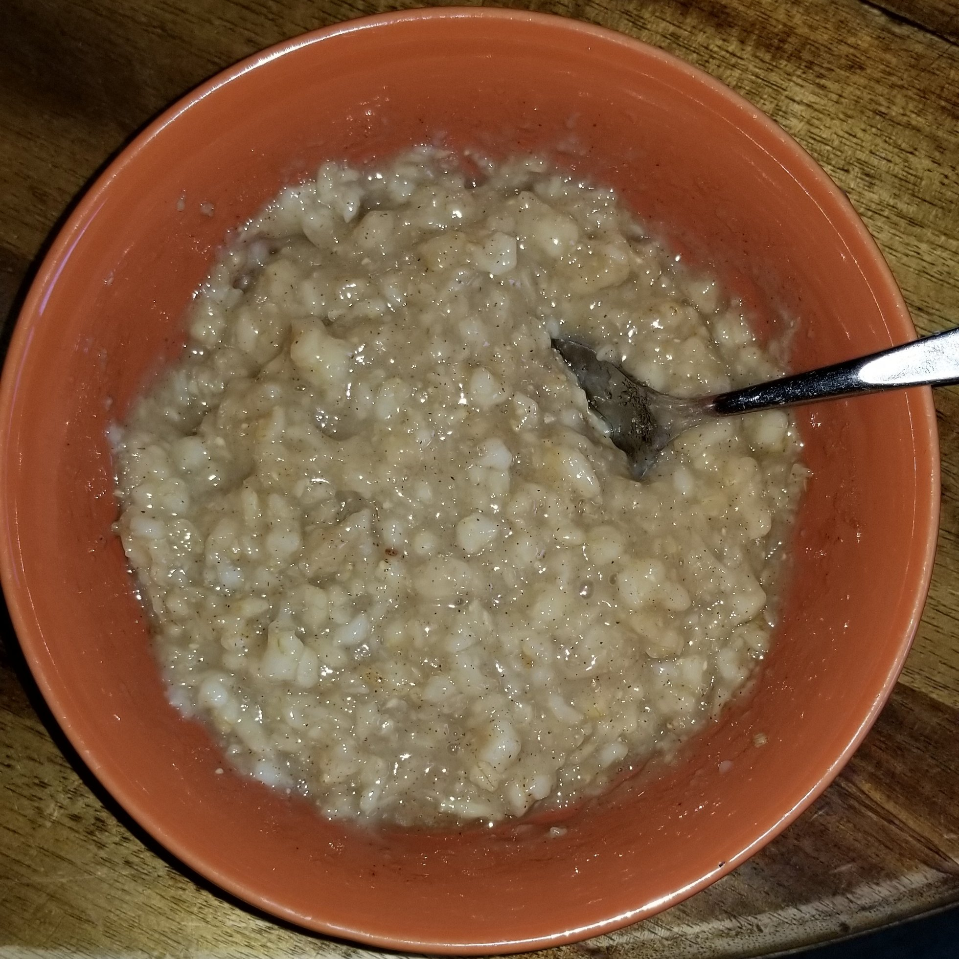 Instant Pot cooked rolled oats.